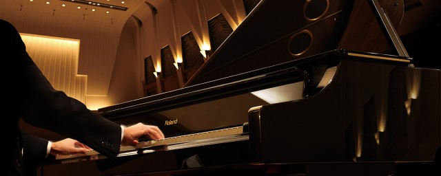 v-piano_grand_theater_1